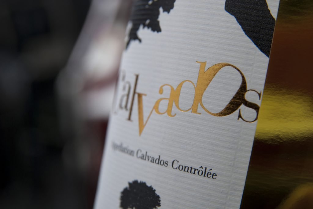 Impression étiquette brillante pour du vin